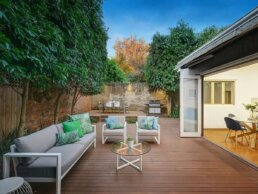Armadale-house-patio